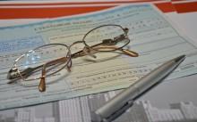 Документы и очки